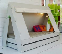 the coolest! tente bed. tent bed