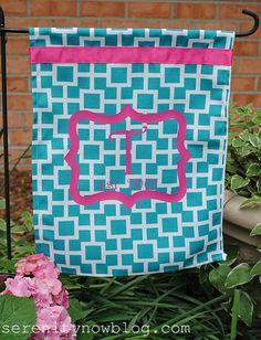 DIY Monogram Outdoor Garden Flag (using Heat Transfer), Via Serenity Now