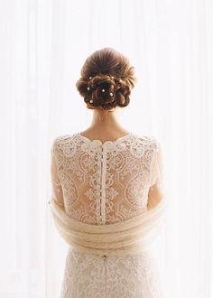Cabelo e costas de vestido