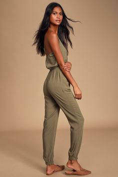 The Learning to Fly Olive Green Halter Jumpsuit is as fun as it is cute! Adjustable halter ties to a sexy wrap bodice with pocketed pants and elastic cuffs. Jumpsuit Dressy, Halter Jumpsuit, Beach Jumpsuits, Learn To Fly, White Midi Dress, Olive Green, Bodice, Ties, Learning