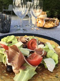 En entrée ou en plat principal ! Petites ou grosses faims. Olives, Galette, Parmesan, Tacos, Mexican, Ethnic Recipes, Food, Gram Flour, Tomatoes