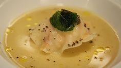 Raviole de langoustine, bouillon de volaille à l'huile d'olive, poivre et menthe, par Frédéric Anton - Pâte à ravioles au saindoux