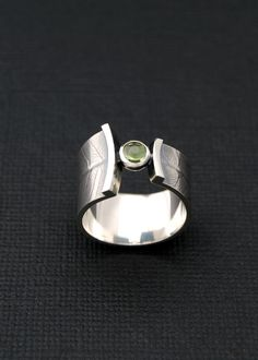 Fern wrap ring  sterling silver band with peridot door LucieVeilleux http://amzn.to/2rz57Jl