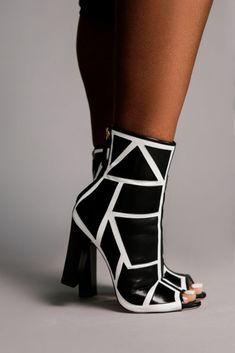 Discover recipes, home ideas, style inspiration and other ideas to try. White Heel Boots, Black And White Boots, Black Ankle Boots, Women's Boots, Womens Leather Ankle Boots, White Leather Boots, Liberty Boots, Designer Heels, Pumps Heels