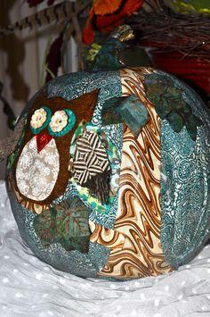 Decoupaged Owl Pumpkin Owl Pumpkin, Pumpkin Crafts, Project Ideas, Projects, Pumpkin Decorating, Girls Night Out, Christmas Bulbs, Cricut, Halloween