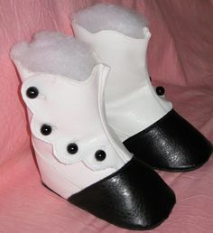 Fabulous tutorial on making boots! Will be trying this over the weekend.