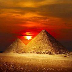 vista atardecer en las pirámides de Egipto