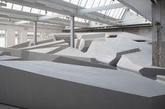 Niederländische Designer wollen das klassische Sitzen abschaffen   WIRED Germany