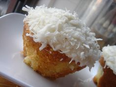 low-fat coconut cupcake