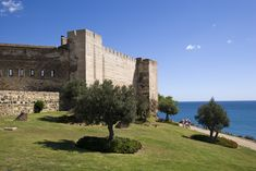 Castle Sohail and its park with views on the… Places To Travel, Places To Visit, Andalusia, Grand Homes, Beach Club, Malaga, Places Ive Been, Around The Worlds, Adventure