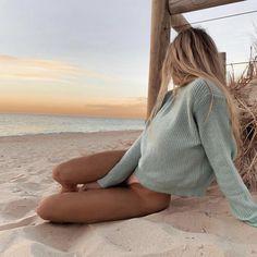Pin od anna nowak na photo beach aesthetic, beach i one summer. Beach Aesthetic, Summer Aesthetic, Blonde Aesthetic, Aesthetic Hair, Summer Pictures, Beach Pictures, Bikini Pictures, Photo Portugal, Photos Bff