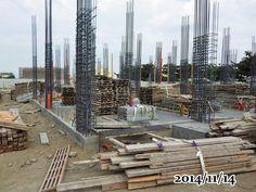 2014-11-14-早上 一樓的外面板模準備施工