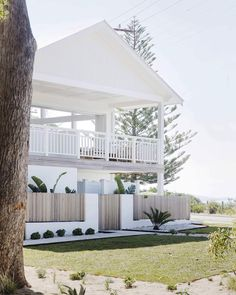 Best Ideas For House Beach Design Exterior Modern Coastal, Coastal Style, Coastal Living, Coastal Decor, Design Exterior, Exterior Colors, Dream Beach Houses, Hamptons Beach Houses, Modern Beach Houses