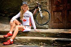 Emily Batty - Canadian Olympic Cyclist (30 Photos) • UNU Cycling