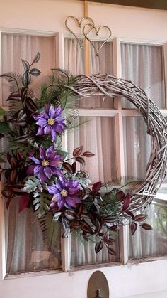 Proud to offer this Stunning piece. Beautiful display, use for three seasons. Front door, wall hanging for your home. Spring Door Wreaths, Deco Mesh Wreaths, Summer Wreath, Wreath Crafts, Diy Wreath, Grapevine Wreath, Country Wreaths, Grape Vines, Door Wall
