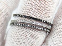 Ensemble de 3 bandes : Black Diamond, Rhodium noir et blanc diamant Eternity Band.) sur Etsy, 749,73 €