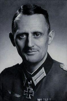 Oberstleutnant d.R. Richard Henze (1895-1985), Kommandeur Grenadier Regiment 489, Ritterkreuz 02.10.1942, Eichenlaub (703) 18.01.1945