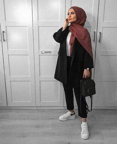 - - Source by outfits hijab Modern Hijab Fashion, Street Hijab Fashion, Hijab Fashion Inspiration, Muslim Fashion, Hijab Casual, Hijab Chic, Hijab Style Dress, Hijab Styles, Mode Outfits