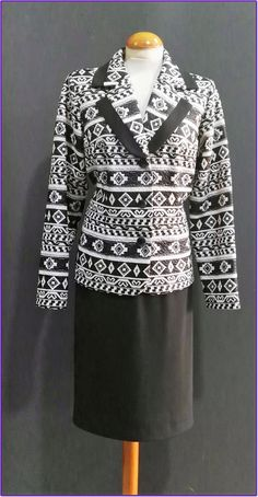 Ahora por Navidad REBAJAS en nuestro comercio KANELA con una amplia seleccion de prendas con el 30% de descuento, estos son algunos modelos....