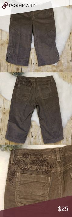 Athleta Bermuda Shorts These beautiful corduroy shorts are in excellent used condition. There are no stains, snags or tears. Athleta Shorts Bermudas
