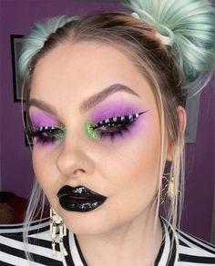 Spooky & Creepy Halloween Eye Make Up Trends 2021 | Modern Fashion Blog Black Eye Makeup, Purple Eye Makeup, Glam Makeup, Halloween Eye Makeup, Halloween Eyes, Creepy Halloween, Creepy Eyes, Spooky Eyes, Spider Web Makeup