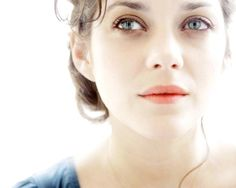marion cotillard. she is so so pretty. can i just be french, please? i mean, that's easy enough, right?