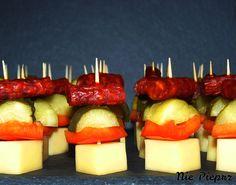 Koreczki Sushi, Panna Cotta, Pizza, Ethnic Recipes, Impreza, Food, Dulce De Leche, Essen, Meals
