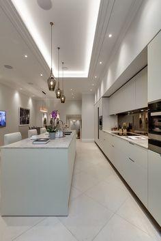 Modern Luxury Kitchens For A Grand Kitchen Neutral Kitchen Designs, Luxury Kitchen Design, Bathroom Design Luxury, Best Kitchen Designs, Luxury Kitchens, Luxury Interior Design, Interior Design Kitchen, Modern Luxury, Mid-century Modern