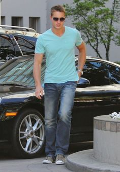 Revenge Casting News: Justin Hartley Cast As Victoria's Secret Son!  He is SO freakin HOT!!!!