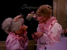 MISS PIGGY & JOAN RIVERS / THE MUPPETS TAKE MANHATTAN - one of my first memories of being interested in makeup