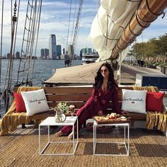 Had so much fun hosting a farewell party for summer with @StellaArtois this evening in New York City! We sailed into the sunset in the NYC harbor for an evening of hosting and fun. #hostbeautifully