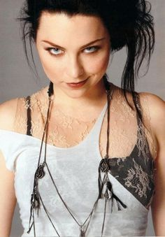 Amy Lee - evanescence Photo love the way she dresses