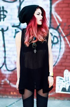Red/ pink ombre hair: lua perez