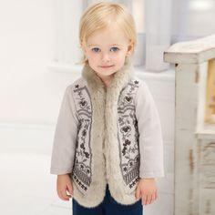 Wzorzysty płaszcz dziecięcy