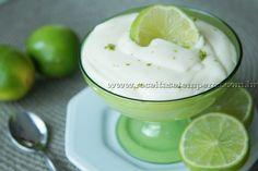 Mousse rápida de limão - Essa é uma daquelas receitas express, muito rápida, fácil e deliciosa. Basta bater tudo no liquidificador e pronto, é só deixar gelar e se deliciar