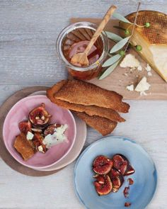 Caramelized Figs with Honey and Cheese Recipe