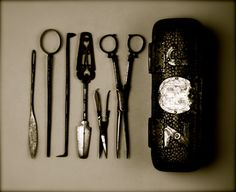 Surgical instrument case and instruments, English. The case is made of silver mounted shagreen (fish skin), bearing the arms of the Barber Surgeons' Company. The instruments consist of. Things Organized Neatly, Instruments, Medical History, Medical Equipment, Kraut, Or Antique, Alchemy, Vintage Antiques, Dental