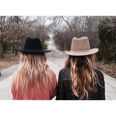 Love a fedora and messy hair always Style Me, Cool Style, Hair Style, Boho Fashion, Womens Fashion, Fashion Hair, Ootd, Bohol, Trends
