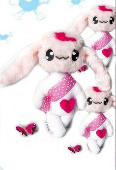 Kleiner Fluse Hase aus hochwertigem Kuschel -Plüsch in Pink-Weiss. Augen aus Filz .Einzelstück!Unikat! Nach eigener Vorlage hergestellt! Maschinen ...