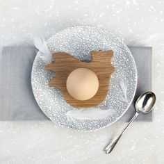 lustige eierbecher holz ostergeschenke Hop&Peck hahn