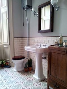 Home Remodeling Bathroom 25 Amazing Victorian Bathroom Design Ideas Edwardian Bathroom, Vintage Bathrooms, Victorian Tiles Bathroom, Victorian Toilet, Modern Bathrooms, Master Bathrooms, Modern Bathroom Design, Bathroom Interior Design, Bathroom Colors