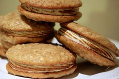 Oatmeal Maple Whoopie Pies