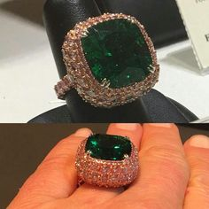 A Muzo Columbian emerald with no enhancement sitting on a cushion of pink diamonds...didn't take long for me to fall for the incredible charms of this superb jewel. I do love the finest. #columbianemeralds #auction #christiesjewels