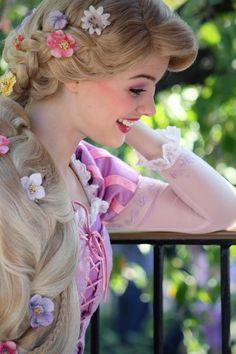 Rapunzel Makeup, Disney Princess Makeup, Disney Princess Cosplay, Rapunzel Cosplay, Disneyland Princess, Rapunzel And Flynn, Rapunzel Hair, Disney Princess Pictures, Disney Rapunzel