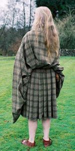 How to Wrap a Great Kilt - Back View