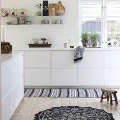 Le mensole a vista in cucina: belle ma anche funzionali?   cucine ...