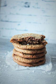 Salted Caramel Cookies - Sormisuolalla maustetut jättikeksit