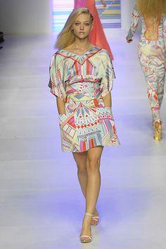 Emilio Pucci Spring 2008 Ready-to-Wear Fashion Show - Magdalena Frackowiak