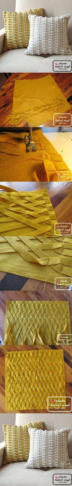 DIY Decorative Pillow from Felt Follow Us on Facebook -->> http://www.facebook.com/UsefulDiy