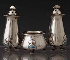 Art nouveau three piece condiment set of a pair of : Lot 15